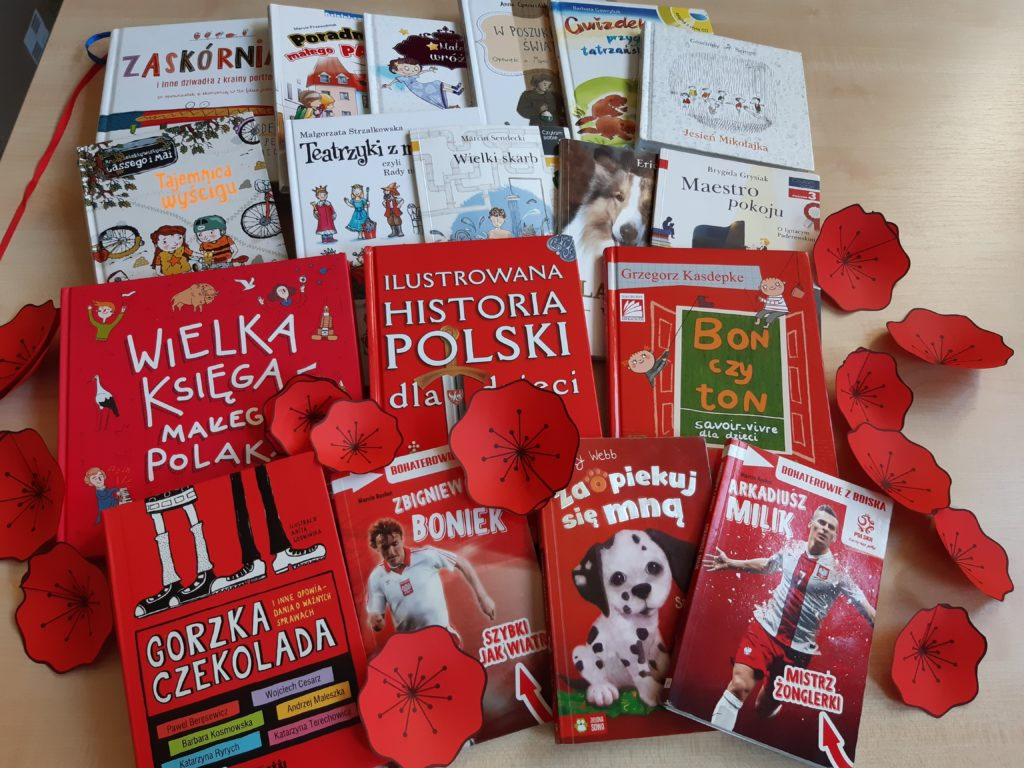 Biblioteczna akcja na Dzień Flagi